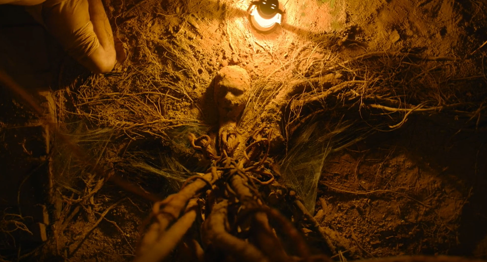 Movie review] Tumbbad - Stylistic Horror Film from India